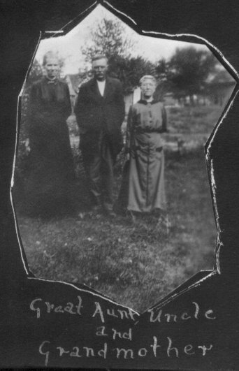 1918 - Great Aunt, Uncle & Grandma